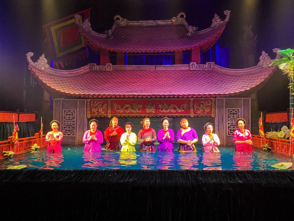 les marionnettes sur l'eau à Hanoï