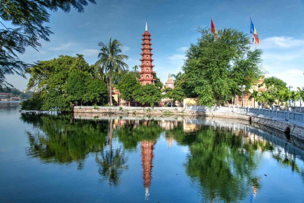 la pagode tran quoc hanoi