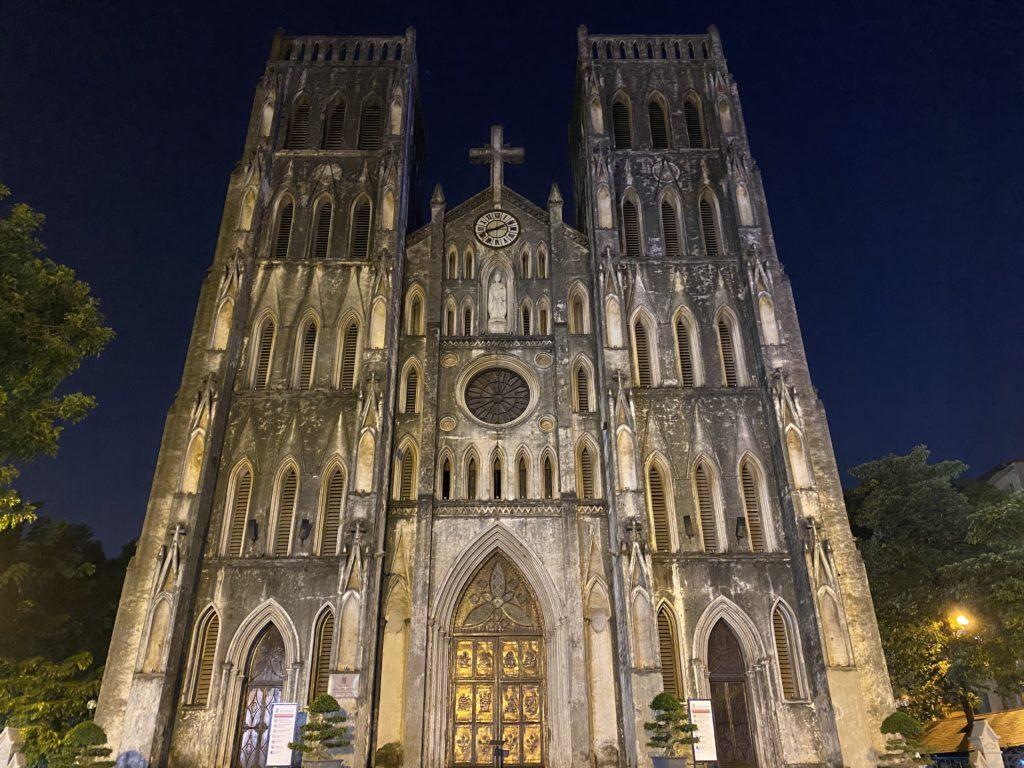 visiter hanoi en 2 jours : la cathédrale saint-joseph