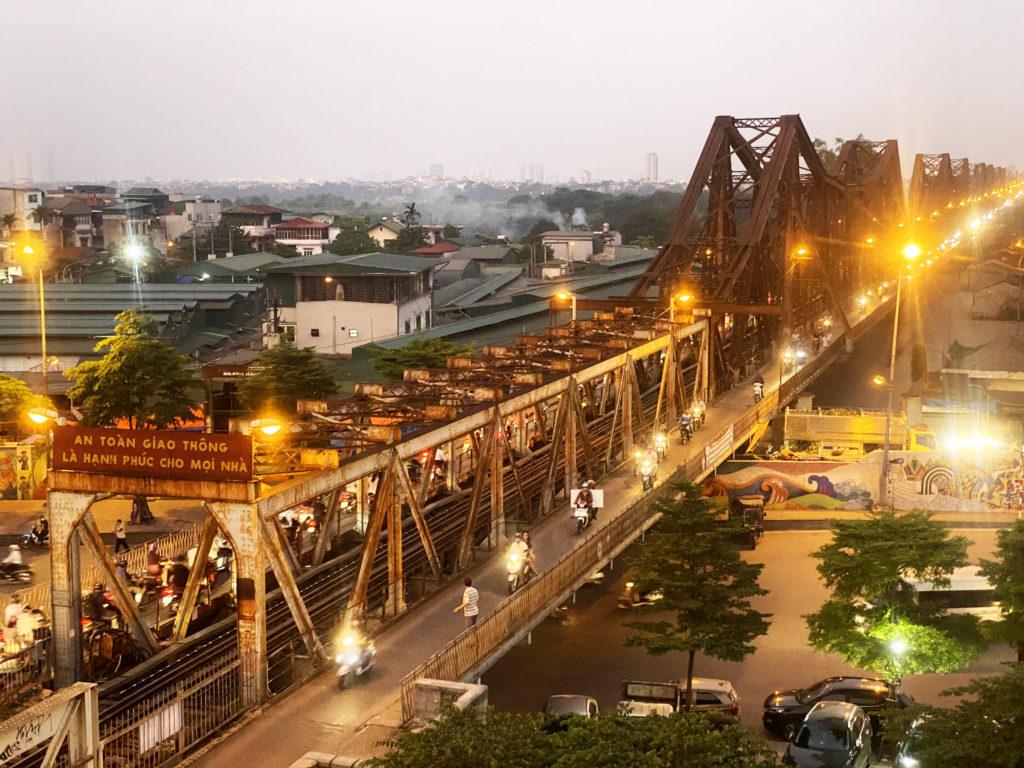 pont long bien coucher de soleil